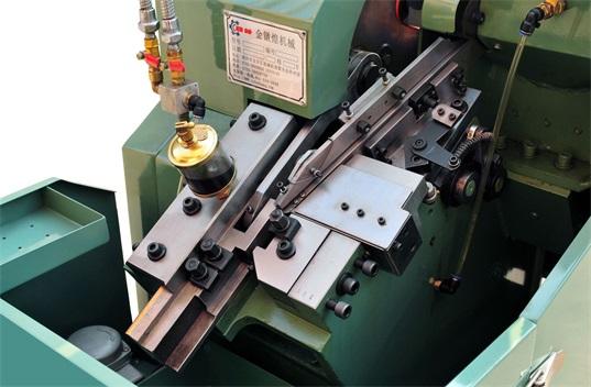 攻丝油应用于搓丝工艺加工攻丝机